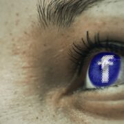 Facebook Seiten im Auge behalten Titel